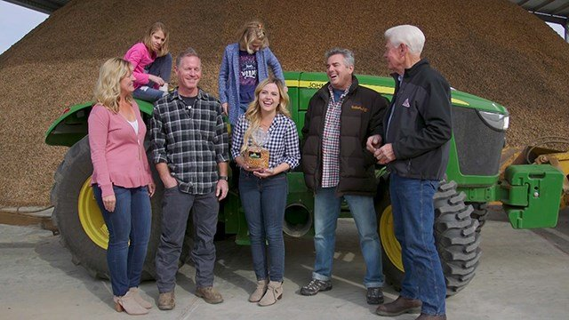 Boersma's Almond Farm - Chris Knight joins Madison to learn about almond farming and pollinators.