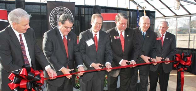 University and state leaders cut a ceremonial ribbon at the research and education center. Credit: University of Georgia